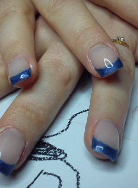 French-bleue-sur-ongles-gel