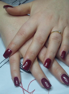 Ongles-gel-rouge