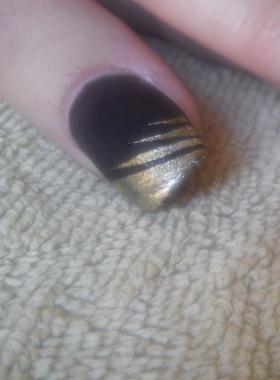 Rallongement-gel-noir-mat-+-doré